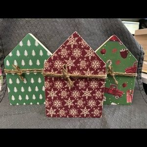 Set of 3 handmade decorative houses winter theme